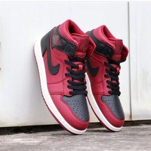 Nike | Air Jordan 1 Mid Team Retro Sneakers